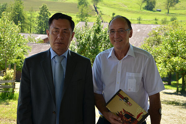 Wenbing Geng, Ambassador of the People's Republic of China and Director of FiBL, Prof. Urs Niggli